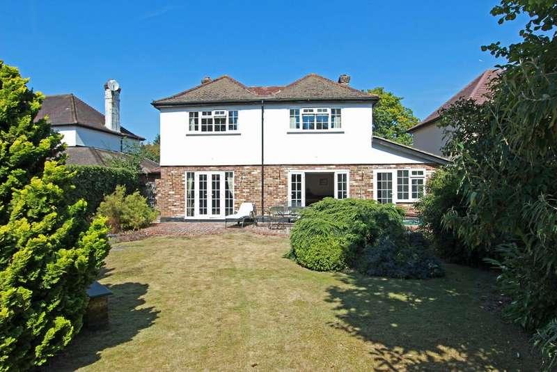 4 Bedrooms Detached House for sale in Woodmansterne Lane, Banstead