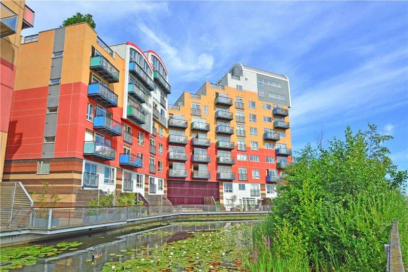 3 Bedrooms Flat for sale in Maurer Court, John Harrison Way, Greenwich, London, SE10