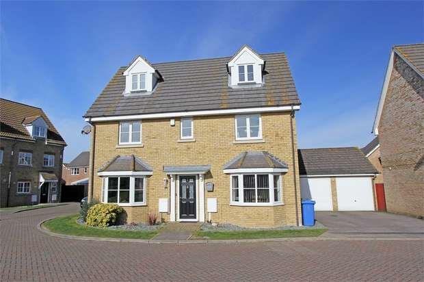 5 Bedrooms Detached House for sale in Shooters Chase, Iwade, Sittingbourne, Kent