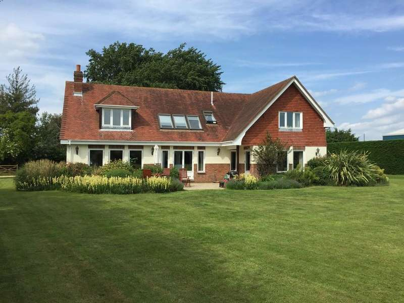 4 Bedrooms Detached House for sale in Runcton, Chichester