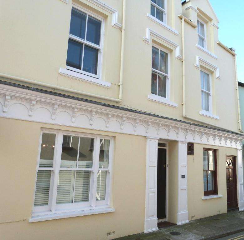 4 Bedrooms House for sale in Malew Street, Castletown, IM9 1AD