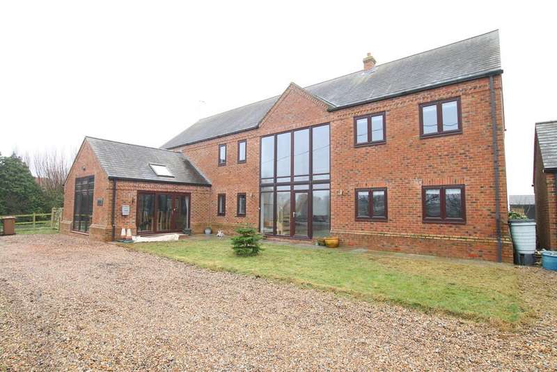 5 Bedrooms Detached House for sale in March Road, Tipps End