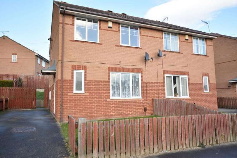 3 Bedrooms Semi Detached House for sale in Victoria Park Avenue, Bramley, Leeds, West Yorkshire