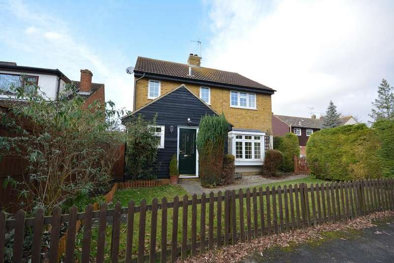 4 Bedrooms Detached House for sale in Kay Close, Great Leighs, Chelmsford, Essex, CM3