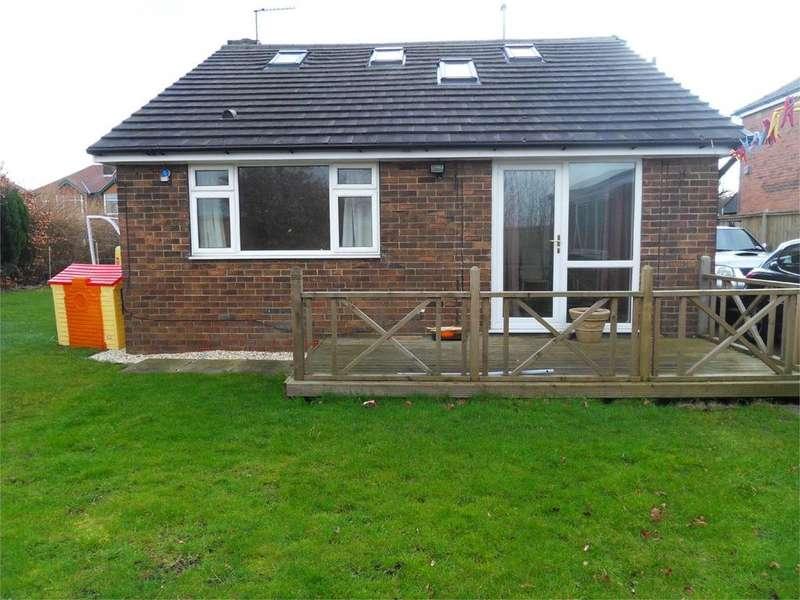 3 Bedrooms Detached Bungalow for sale in Leeds Road, Dewsbury, West Yorkshire, WF12