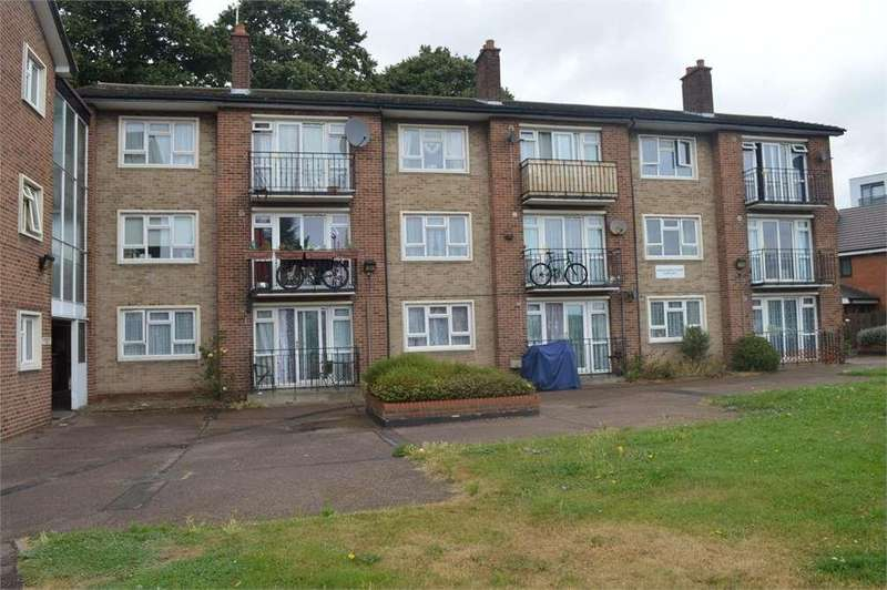 1 Bedroom Flat for sale in Christ Church Court,Southend on Sea,Essex