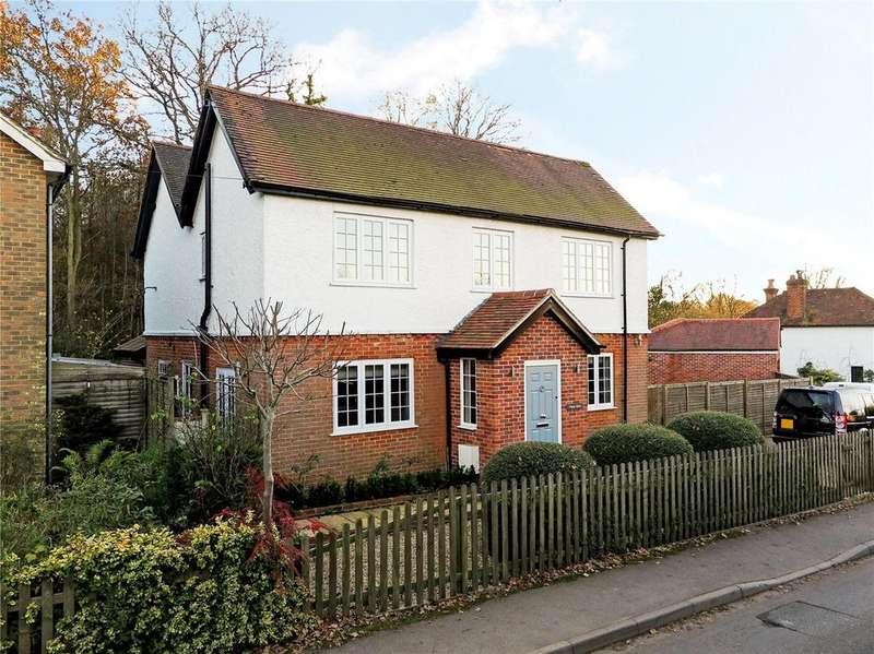 4 Bedrooms Detached House for sale in Fullers Road, Rowledge, Farnham, GU10