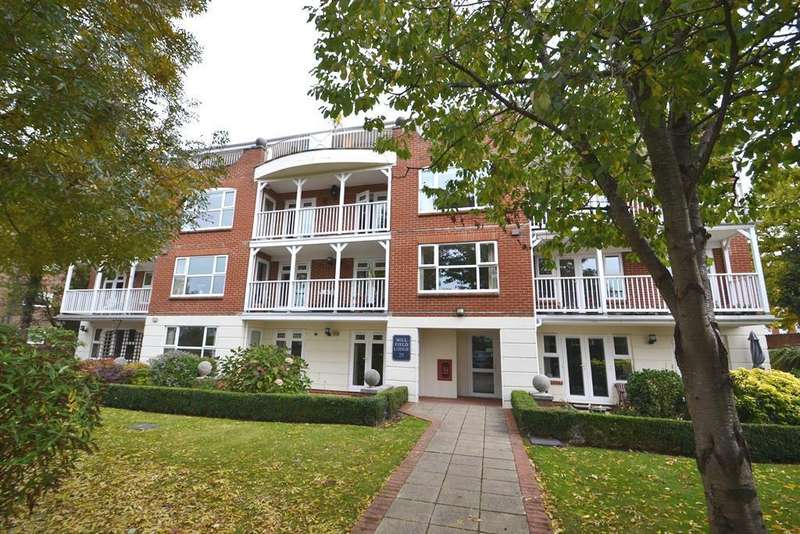 2 Bedrooms Flat for sale in Millfield Lodge, 20 Downview Road, Worthing, West Sussex, BN11 4AB
