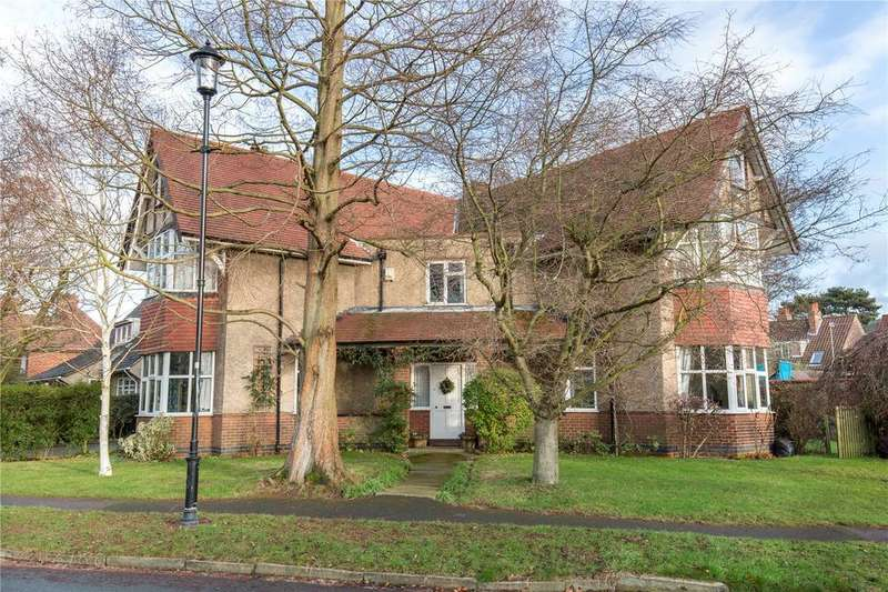 5 Bedrooms Detached House for sale in Hobgate, York, YO24
