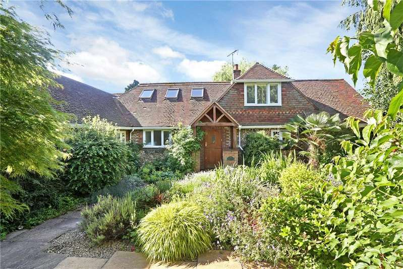4 Bedrooms Detached House for sale in Lady Meadow, Kings Langley, Hertfordshire, WD4