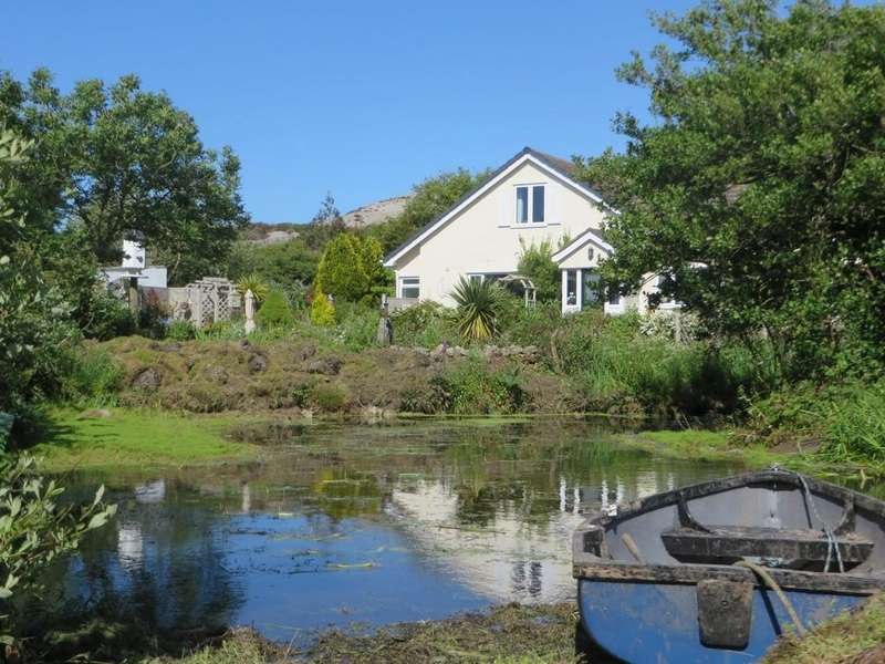 3 Bedrooms Farm House Character Property for sale in Mynydd Bodafon, Isle of Anglesey, North Wales