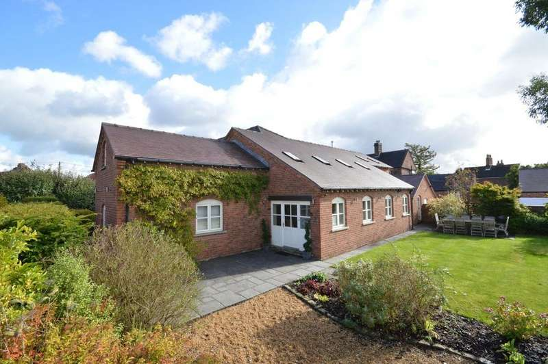 4 Bedrooms Barn Conversion Character Property for sale in Village Barns, Street Lane, Lower Whitley, Warrington