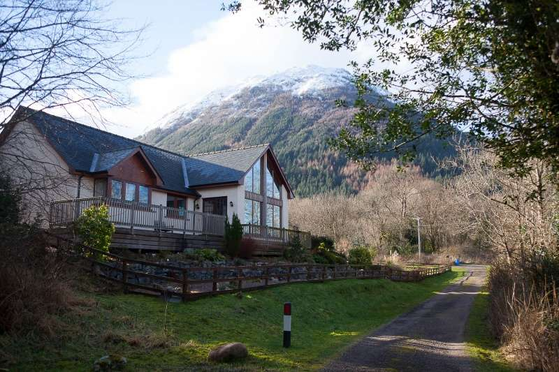 3 Bedrooms Bungalow for sale in Glenachulish, Ballachulish, Fort William, Highland, PH49 4JZ