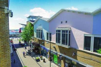 2 Bedrooms Flat for sale in Ocean Buildings, Bute Crescent, Cardiff, Caerdydd