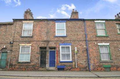 3 Bedrooms Terraced House for sale in Low Skellgate, Ripon, North Yorkshire