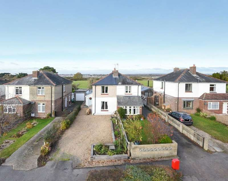 2 Bedrooms Semi Detached House for sale in Northney Road, Hayling Island, PO11