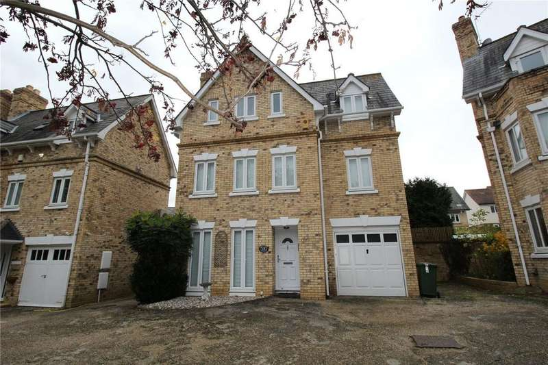 4 Bedrooms Detached House for sale in Gilbert Drive, Langdon Hills, Essex, SS16