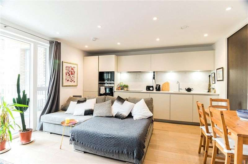 1 Bedroom Flat for sale in New North Road, London, N1