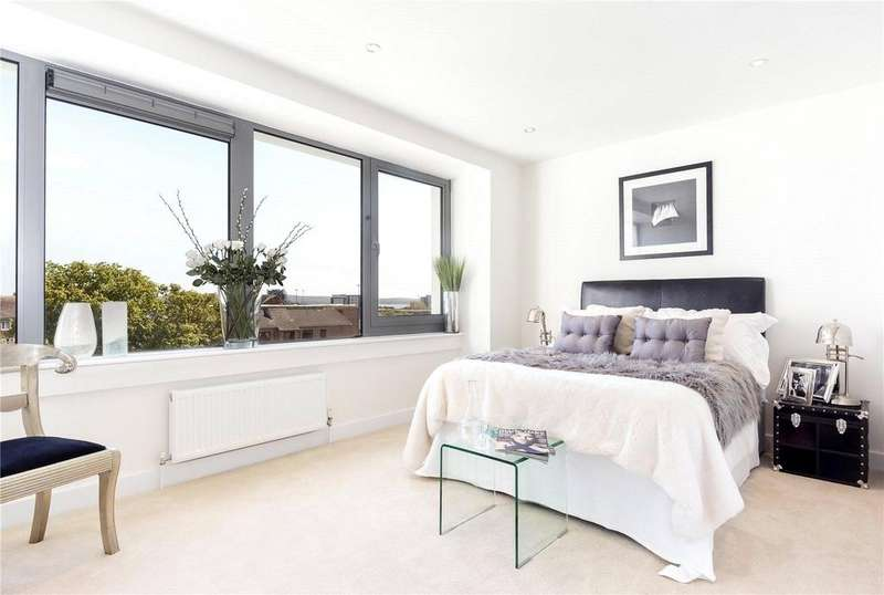 2 Bedrooms Flat for sale in Altitude, 56-58 Parkstone Road, Poole, Dorset, BH15