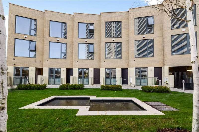 4 Bedrooms Mews House for sale in The Crescent, Chiswick, London, W4