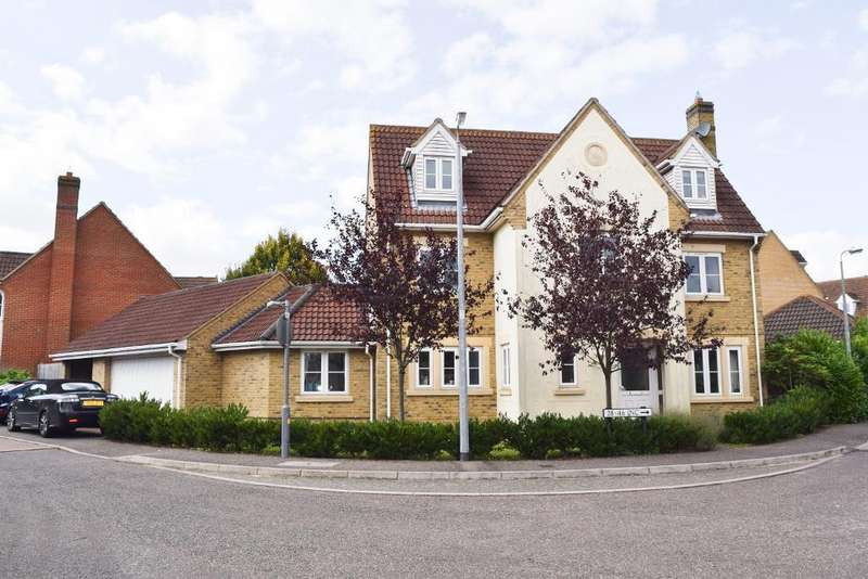 6 Bedrooms Detached House for sale in Maple Way, Great Dunmow, CM6 1WZ
