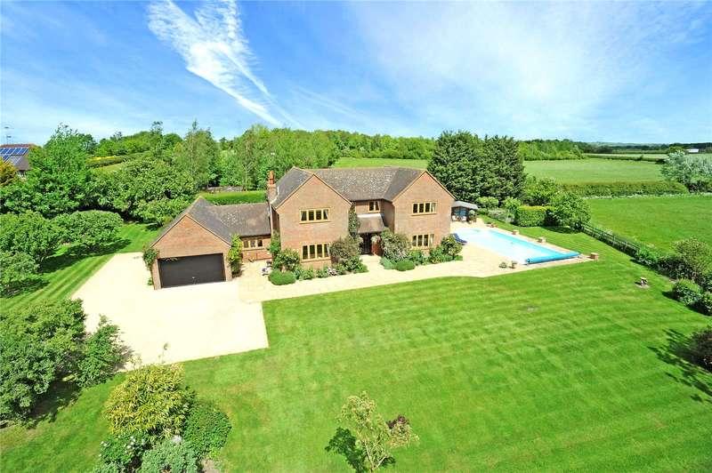 5 Bedrooms Detached House for sale in Bicester Road, Kingswood, Aylesbury, Buckinghamshire, HP18