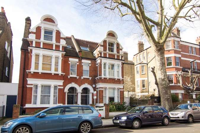 1 Bedroom Flat for sale in Netheravon Road, Chiswick