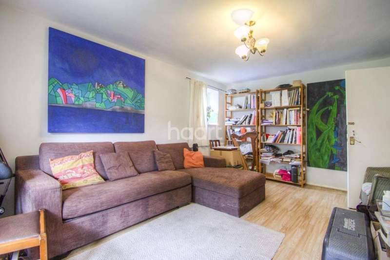 2 Bedrooms Flat for sale in The Homestead, Waterfall Road, N11