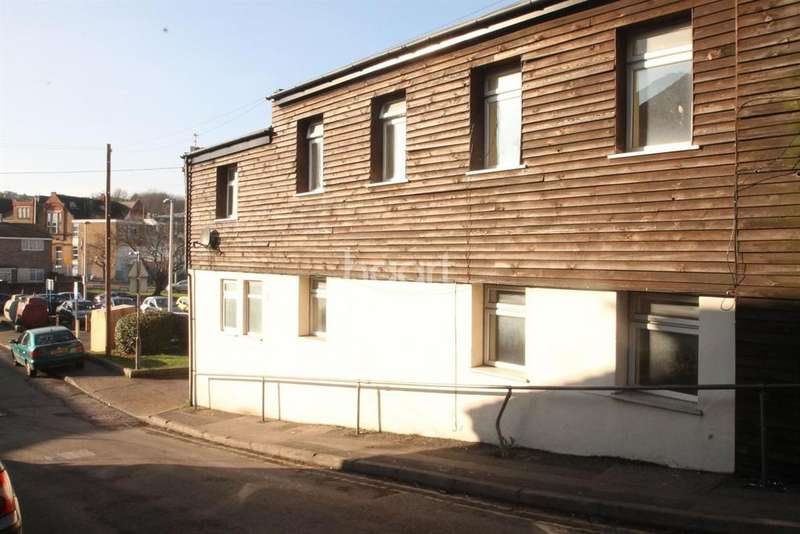 1 Bedroom Flat for sale in Bank Street, Chatham