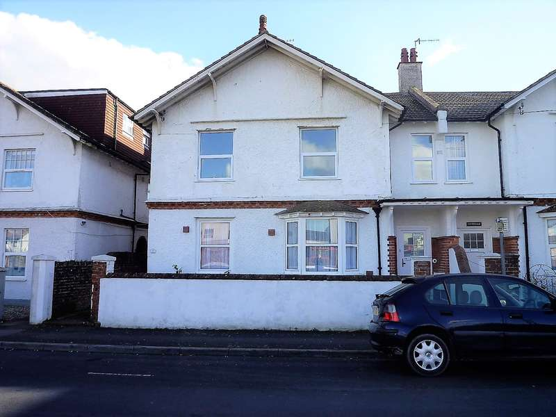 2 Bedrooms Flat for sale in Walton Road, Bognor Regis, PO21