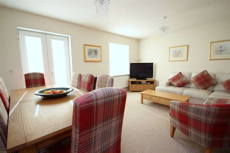 4 Bedrooms Town House for sale in Amy Gardens, Deanfield Close, Hamble, Southampton