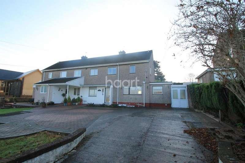 3 Bedrooms Semi Detached House for sale in Walk Farm Drive, Castelton,