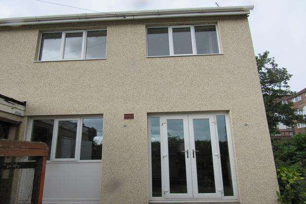 3 Bedrooms Semi Detached House for sale in Hoefield Crescent, Bulwell, Nottingham, NG6