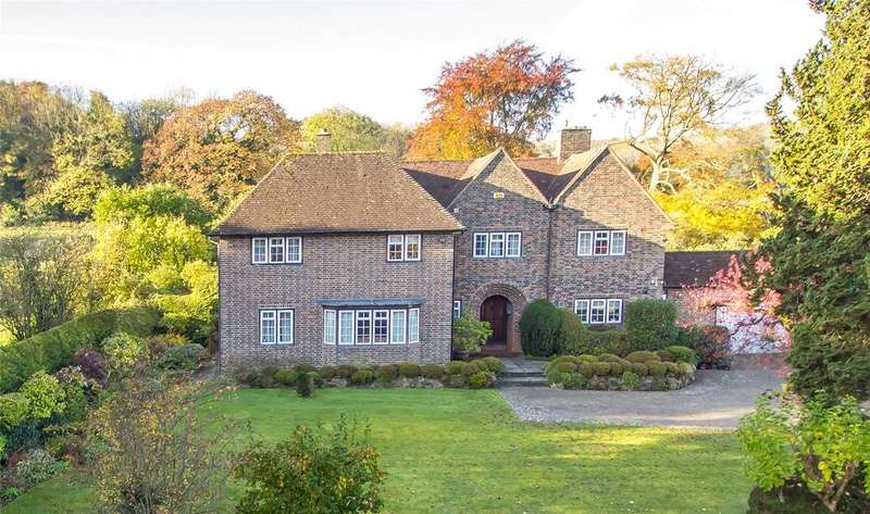 5 Bedrooms Detached House for sale in Harestone Valley Road, Caterham, Surrey, CR3