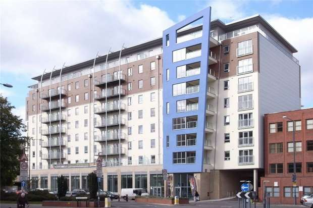 Studio Flat for sale in Woking, Surrey