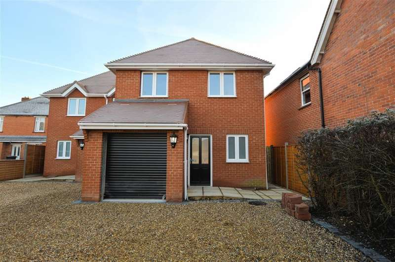 4 Bedrooms Semi Detached House for sale in Northfield Road, Thatcham, RG18