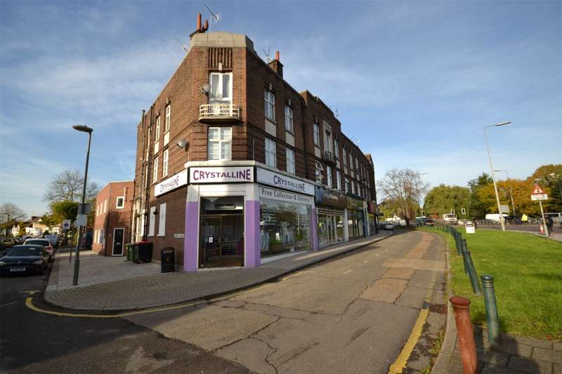 2 Bedrooms Apartment Flat for sale in Clarence Court, The Broadway, Mill Hill, London, NW7