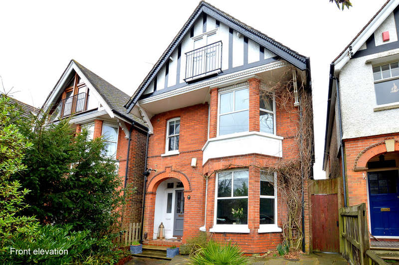 5 Bedrooms Detached House for sale in Croydon Road, Reigate
