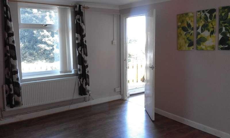 3 Bedrooms Semi Detached House for sale in Bridgend Road, Llangynwyd, Maesteg