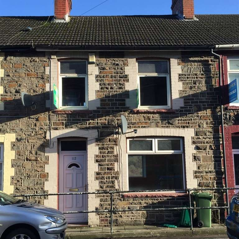 3 Bedrooms Terraced House for sale in Pentwyn Avenue, Mountain Ash