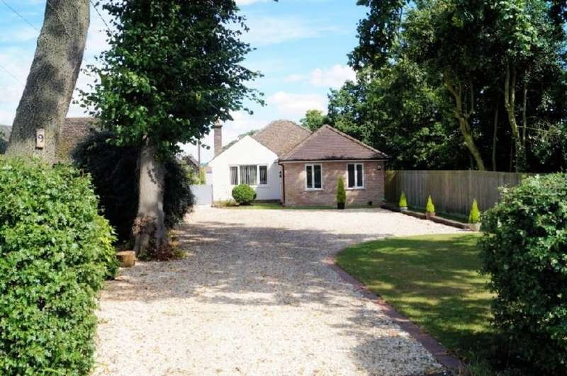 3 Bedrooms Detached Bungalow for sale in Lincoln Road, Skellingthorpe