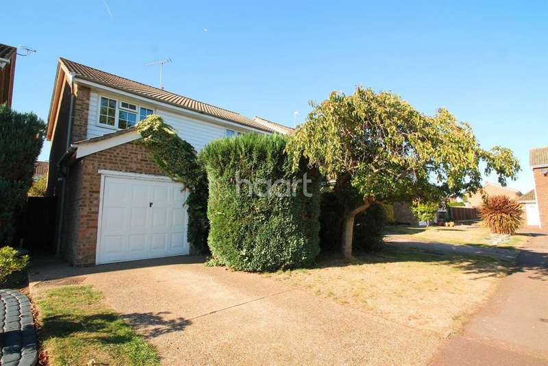 3 Bedrooms Detached House for sale in Collins Way, Leigh-On-Sea