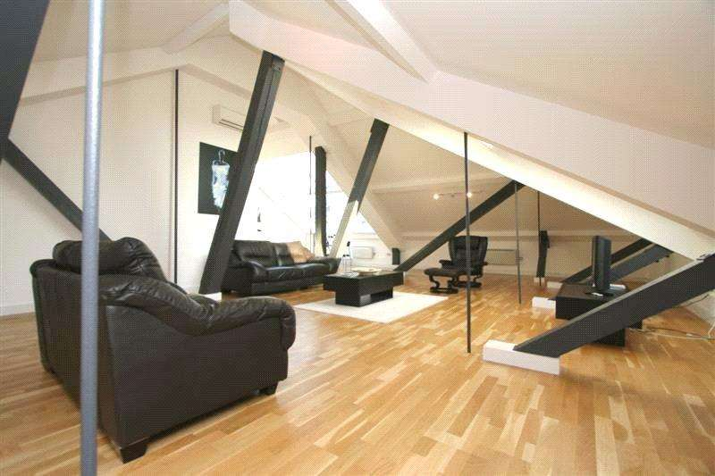2 Bedrooms Penthouse Flat for sale in The Wentwood, 72 - 76 Newton Street, Manchester, M1
