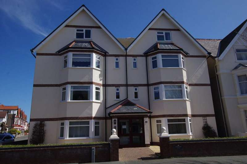 2 Bedrooms Ground Flat for sale in Great Ormes Road, Llandudno