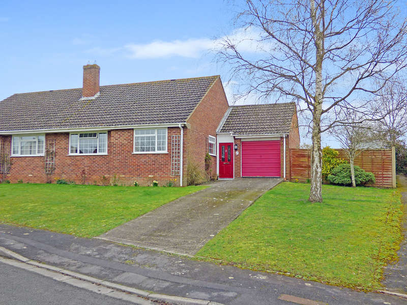 2 Bedrooms Detached House for sale in The Dutts, Dilton Marsh, Westbury