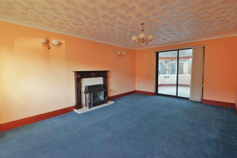 4 Bedrooms Detached House for sale in Caernarfon, Gwynedd