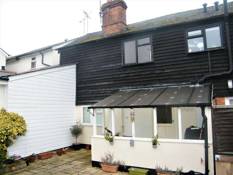 2 Bedrooms Apartment Flat for sale in London Road, Whitchurch