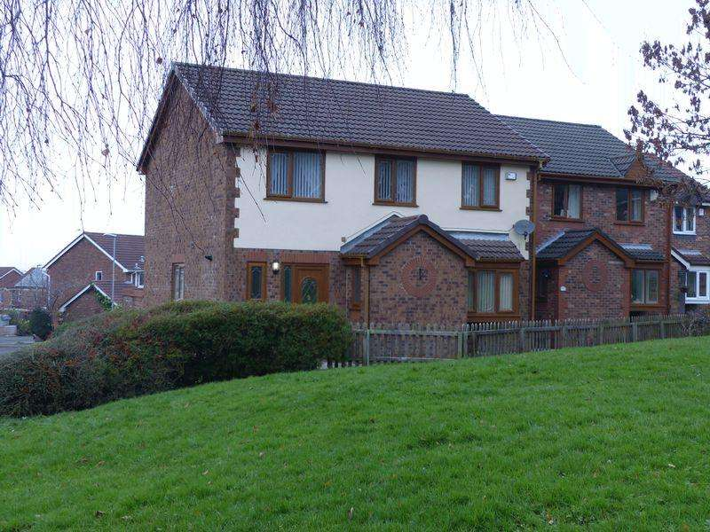 5 Bedrooms Detached House for sale in Carrbrook Drive, Royton