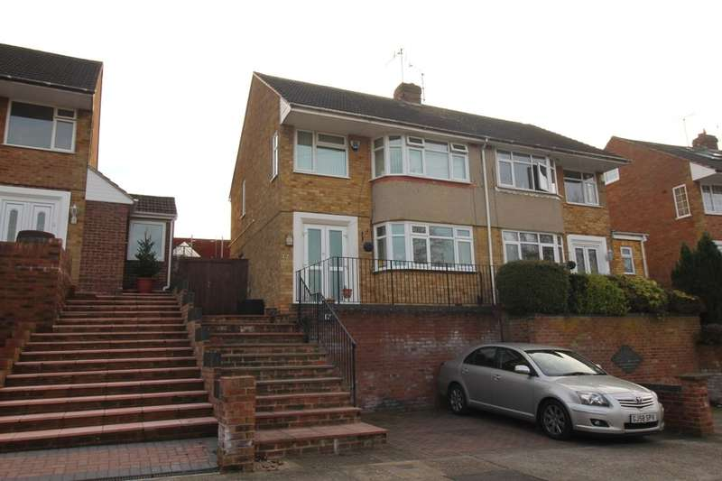 3 Bedrooms Semi Detached House for sale in Carlton Crescent, Chatham, ME5