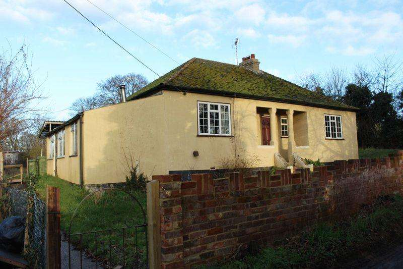 2 Bedrooms Bungalow for sale in Breach Farm Bungalow, Upchurch